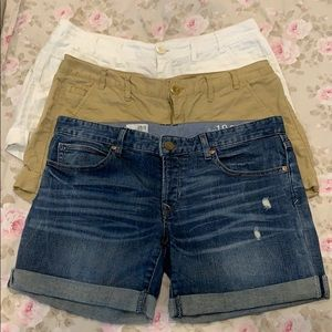 Set of 3 pairs of GAP shorts size 6